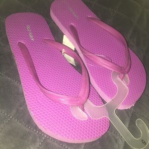 Old Navy thong sandals
